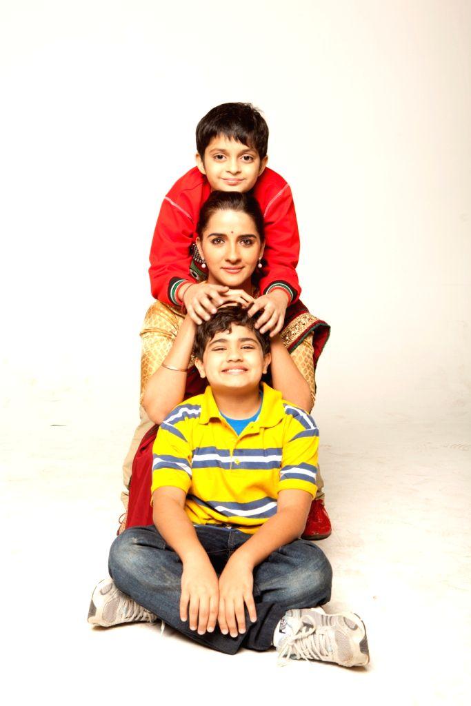 Shruti with Namit and Siddharth in The Suite Life of Karan and Kabir Season 2