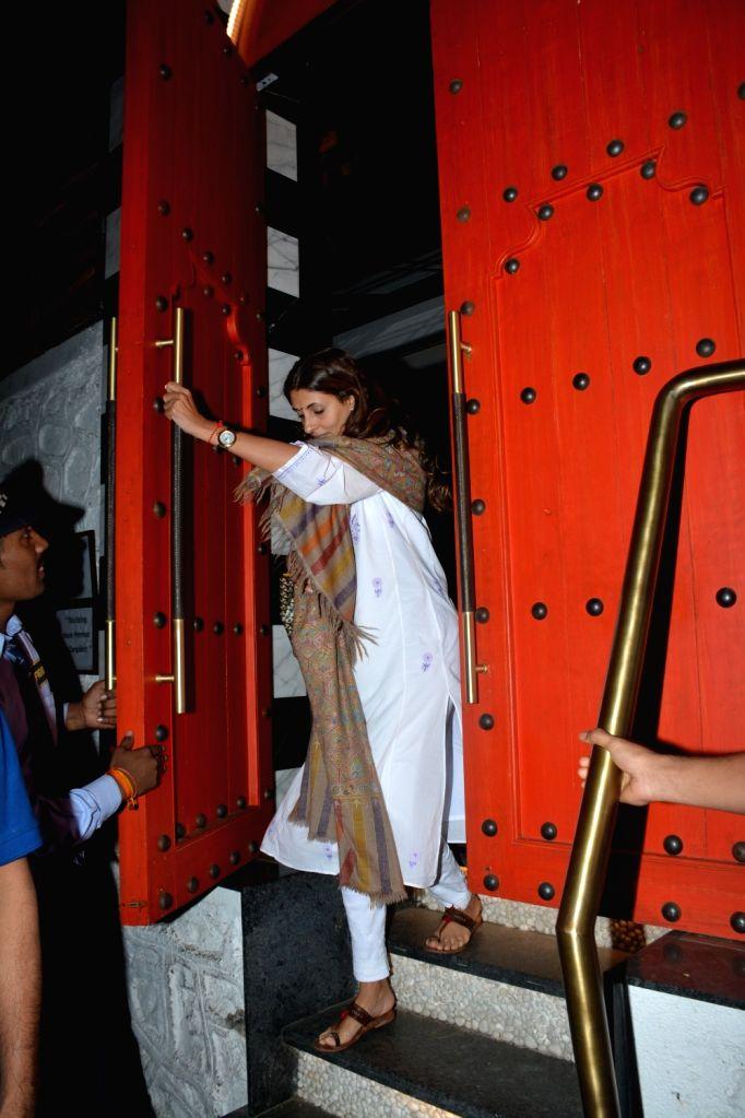 Shweta Bachchan Nanda, daughter of Amitabh Bachchan seen at a Mumbai restaurant on Feb 10, 2019. - Shweta Bachchan Nanda and Amitabh Bachchan