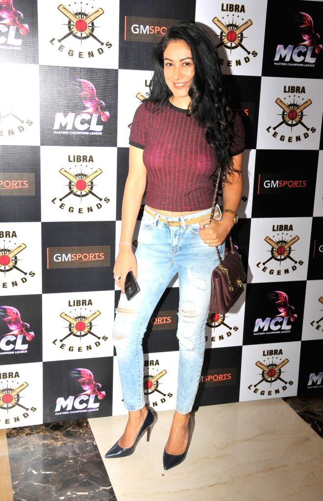 Shweta Khanduri at the launch of Libra Legends Masters Champions League (MCL) team in Mumbai on Nov  30, 2015
