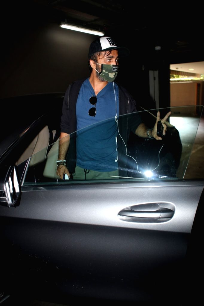 Siddhant kapoor spotted at airport arrival On Wednesday 31th March, 2021.