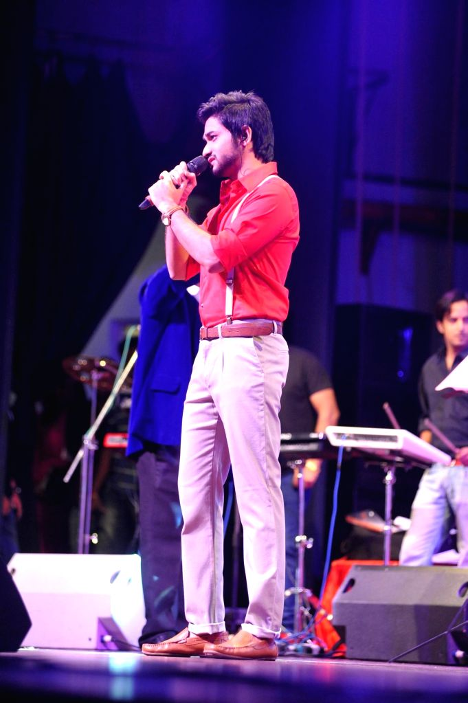 Sidhant Bhosle, son of bollywood singer Sudesh Bhosle performs during the musical tribute `Ye Shaam Mastani` on the occasion of 86th birthday celebration of late singer Kishore Kumar in ...