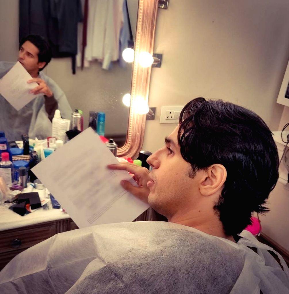 Sidharth Malhotra reports back to duty - Sidharth Malhotra