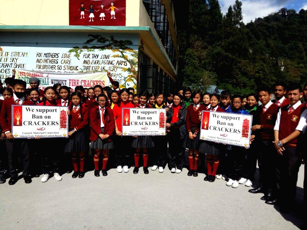 Sikkimese schoolchildren campaign for a cracker-free Diwali.