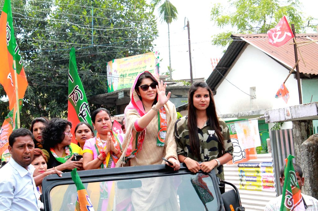 Actress Locket Chatterjee campaigns for BJP ahead of Municipality polls in Siliguri on April 22, 2015.