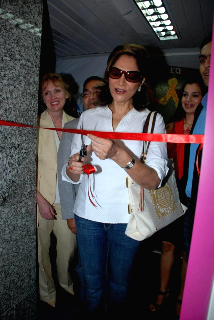 Simi Garewal launch Dr Batra's 1st US-based clinic of Nu-hart at Trident.