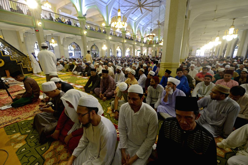 Singapore mosques partially reopen