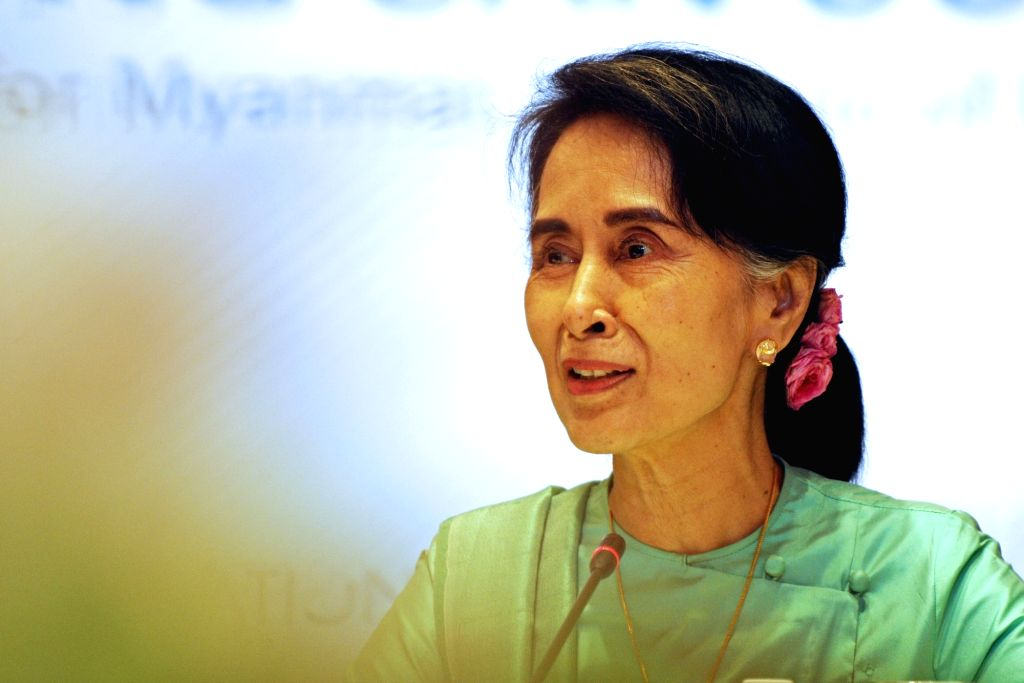 SINGAPORE, Nov. 30, 2016 - Myanmar's State Counsellor Aung San Suu Kyi attends the IE Singapore Global Conversations held in Singapore, Nov. 30, 2016. Aung San Suu Kyi began her 3-day official visit ...