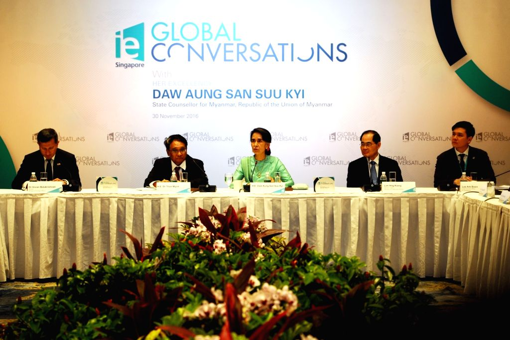 SINGAPORE, Nov. 30, 2016 - Myanmar State Counselor Aung San Suu Kyi (C) attends IE Singapore's Global Conversation held in Singapore, Nov. 30, 2016. Aung San Suu Kyi began her 3-day official visit in ...