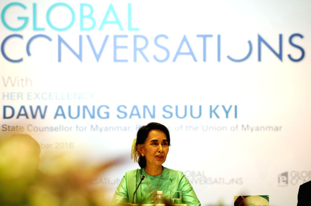 SINGAPORE, Nov. 30, 2016 - Myanmar State Counselor Aung San Suu Kyi attends IE Singapore's Global Conversation held in Singapore, Nov. 30, 2016. Aung San Suu Kyi began her 3-day official visit in ...