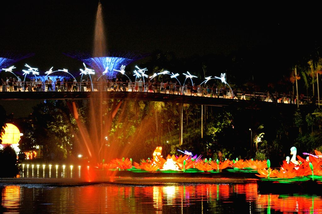 SINGAPORE, Sept. 19, 2017 - Visitors view the Mid-Autumn festival lights at Singapore's Gardens by the Bay on Sep. 19, 2017.