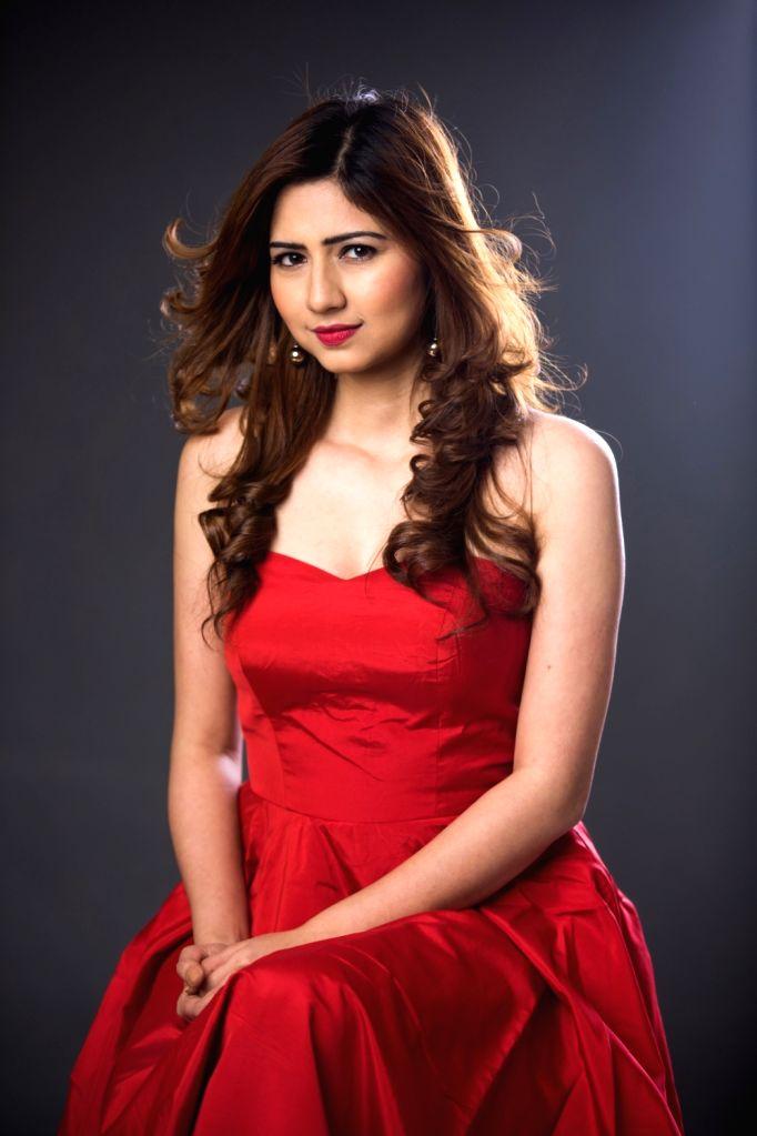:Singer Akanksha Bhandari..