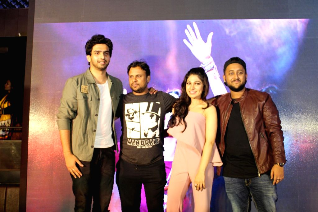Singer Amaal Mallik, lyricist Kumaar and singer Tulsi Kumar during the launch of song Gulabi 2.0 from film Noor in Mumbai, on March 22, 2017. - Tulsi Kumar