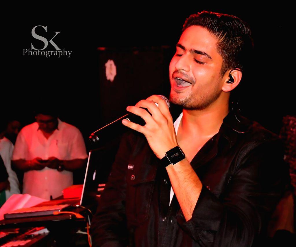 :Singer Amit Mishra..