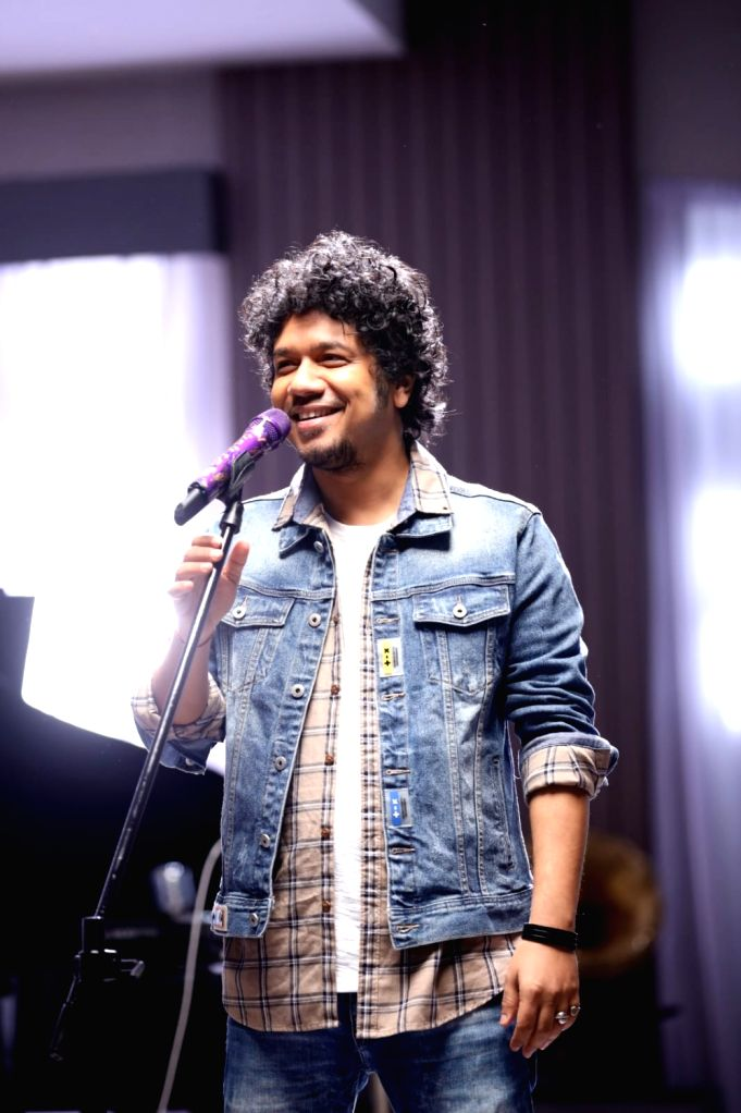 Singer Angaraag Mahantaor Papon, as he is popularly knownsays people who make remixes ???ride on a popular song to become popular???. He believes that a remix can go wrong if the person ...