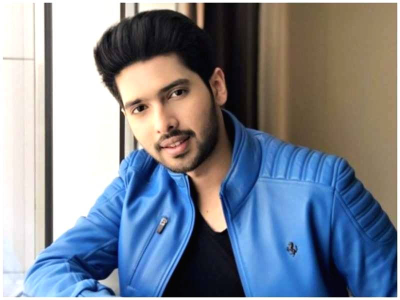 """Singer Armaan Malik will lend his voice for the character of Aladdin in the Hindi version of the Hollywood film """"Aladdin"""". - Malik"""