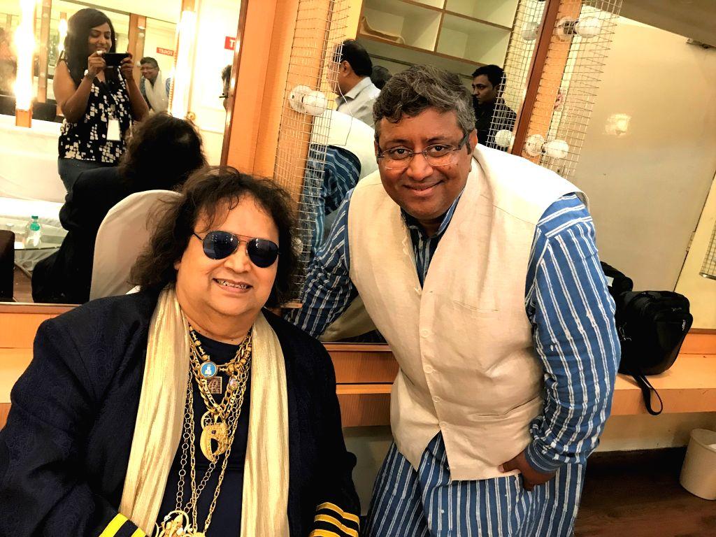 Singer Bappi Lahiri with Aadinath Mangeshkar, son of singer Hridaynath Mangeshkar at the 2019 Deenanath Mangeshkar Awards, in Mumbai, on April 24, 2019.