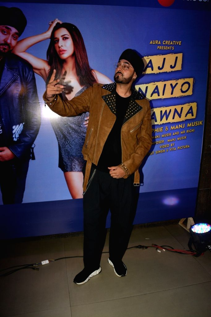Singer-composer Manj Musik at the launch of his new song in Mumbai, on Feb 5, 2019.