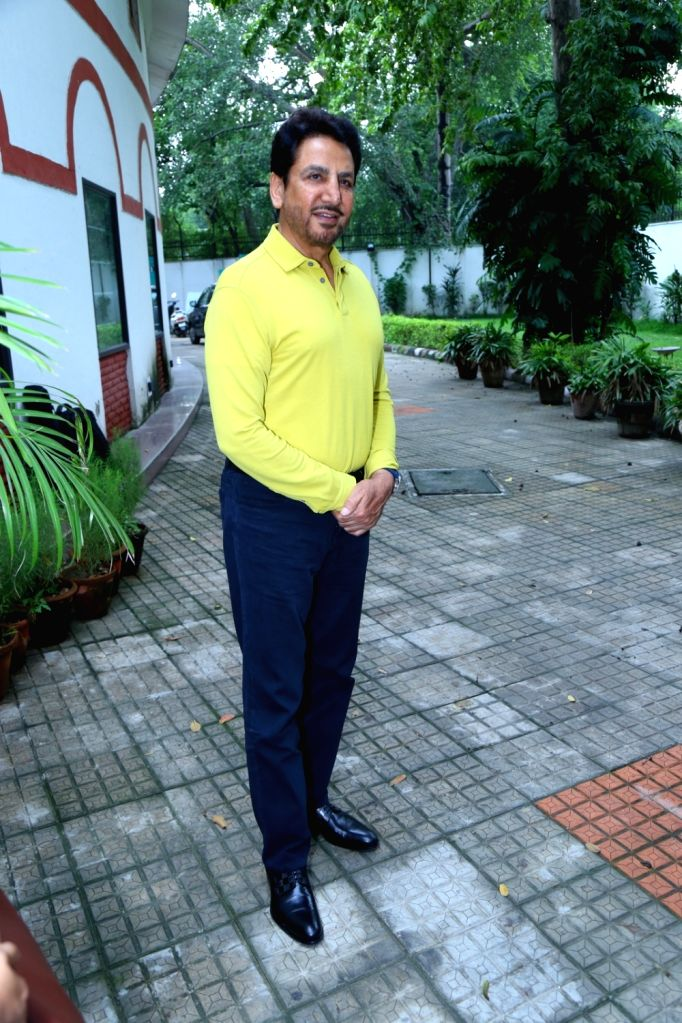 """Singer Gurdas Maan during the promotion of the song """"Mittar Pyare Nu"""" from his upcoming music album 'Punjab' in New Delhi on Aug 9, 2017."""