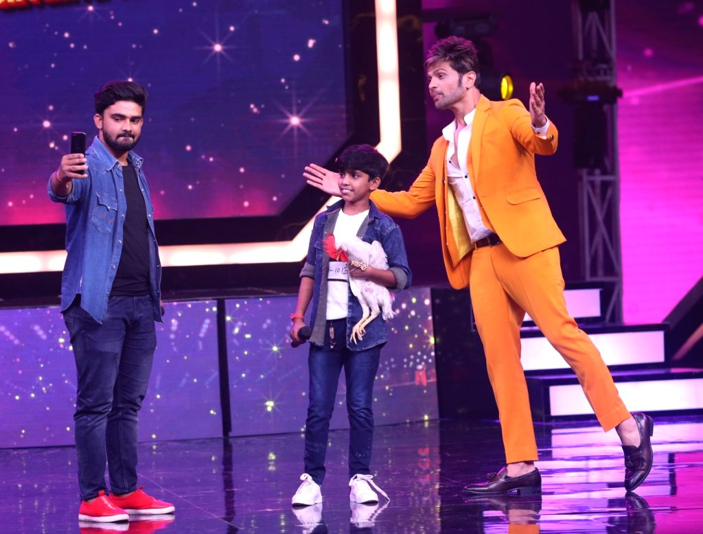 "Singer Himesh Reshammiya says he is extremely scared of animals. During the auditions of upcoming kids singing reality show ""Superstar Singer"", judge Himesh's biggest fear was revealed when he was requested for a selfie, read a statement."