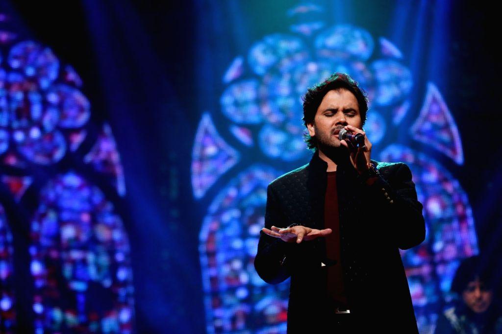 "Singer Javed Ali during the musical concert  ""Rehmatein 3"" in Mumbai. - Javed Ali"