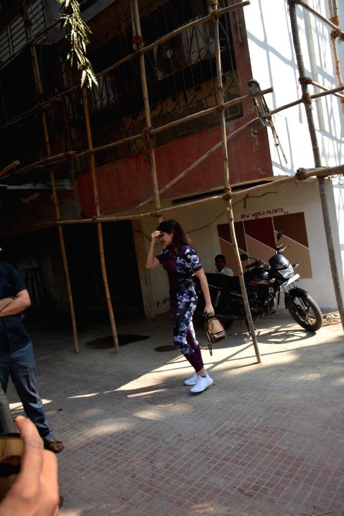 Singer Kanika Kapoor seen outside a gym, in Mumbai on Jan 10, 2019. - Kanika Kapoor