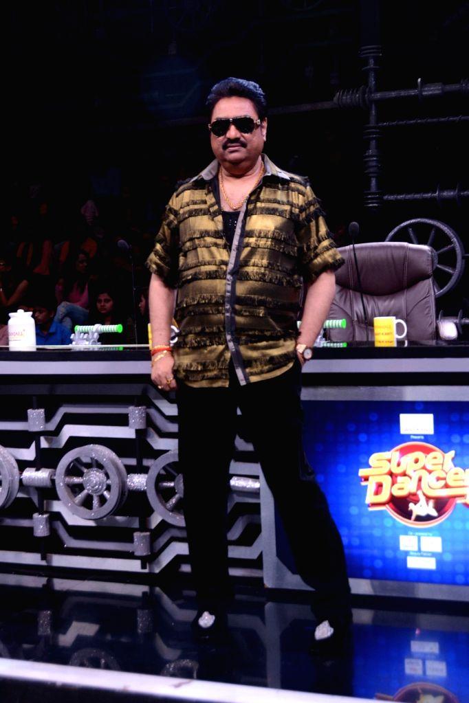 "Singer Kumar Sanu on the sets of dance reality show ""Super Dancer 3"", in Mumbai, on May 6, 2019. - Kumar Sanu"