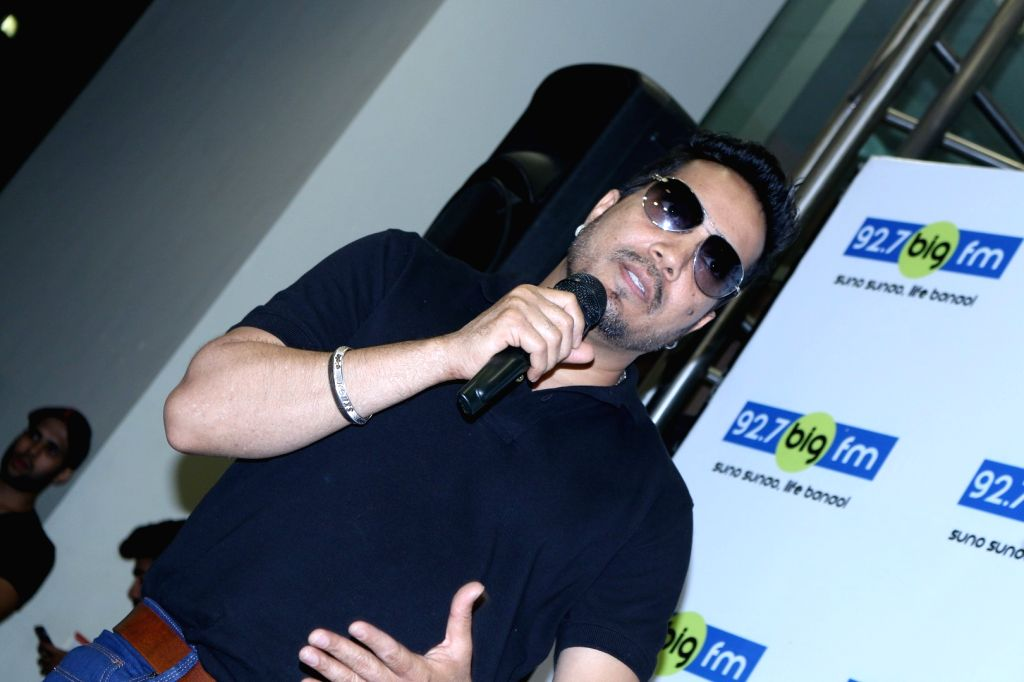 Singer Mika Singh during a meet and greet session at 92.7 BIG FM for his newly released single Chhori, in Mumbai on Sept 22, 2016. - Mika Singh