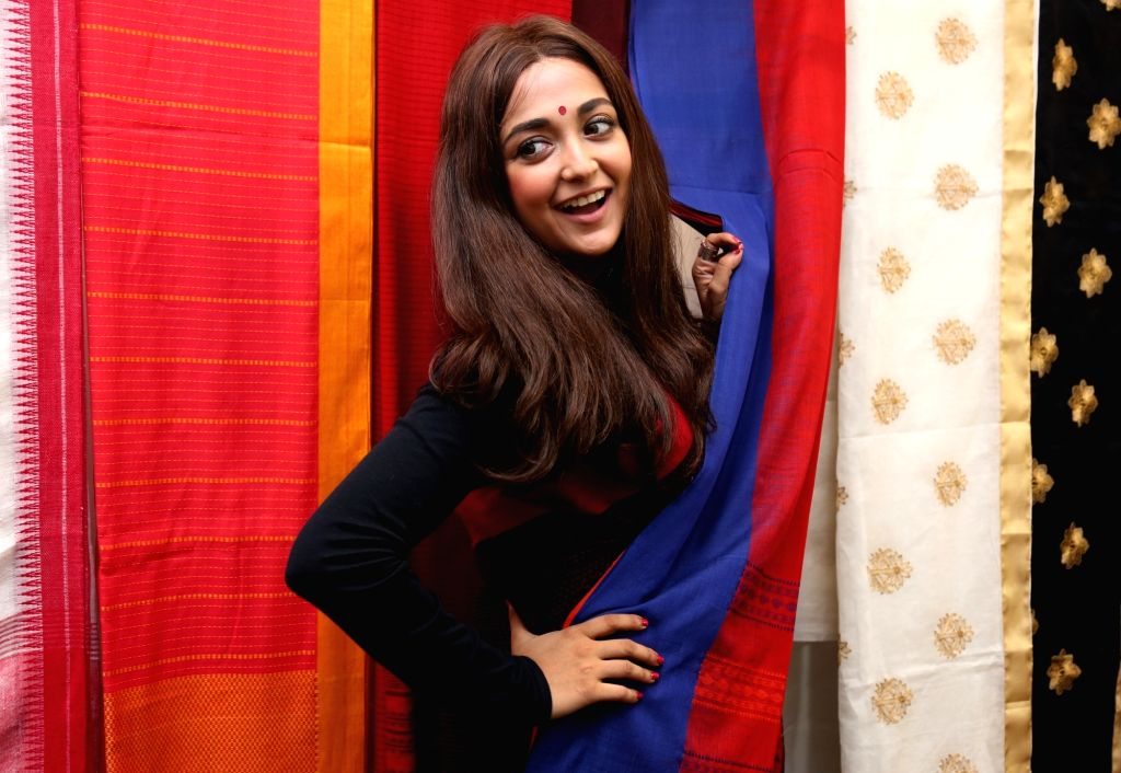 Singer Monali Thakur during the inauguration of a store in Kolkata on Aug 1, 2017.