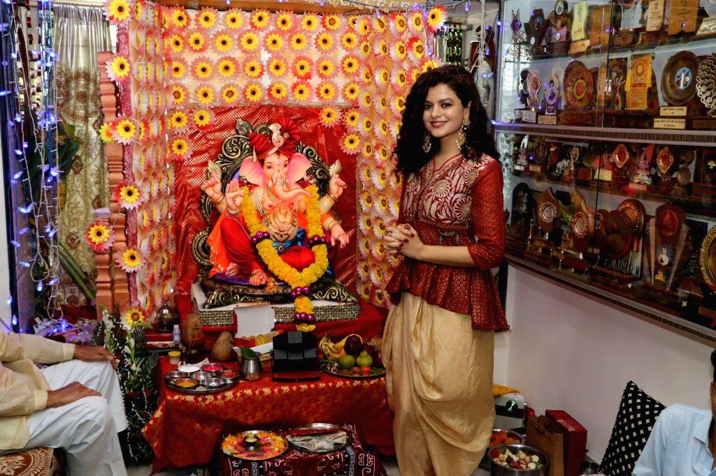Singer Palak Muchhal seek blessings of Lord Ganesha in Mumbai on Sept 17, 2018.