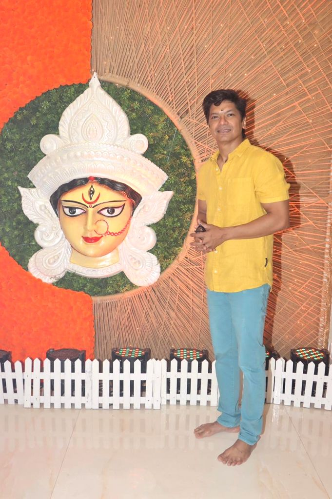 Singer Shaan attend At North Bombay Durga Puja Samiti on the occasion of Maha Navami in Mumbai on Thursday October 14, 2021.