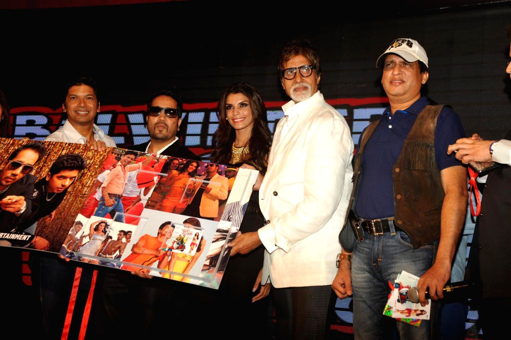 Singer Shaan, Mika Singh, actors Gabriela Bertante and Amitabh Bachchan during the music launch of film Balwinder Singh Famous Ho Gaya in Mumbai, on Sept 9, 2014. - Gabriela Bertante, Amitabh Bachchan and Mika Singh