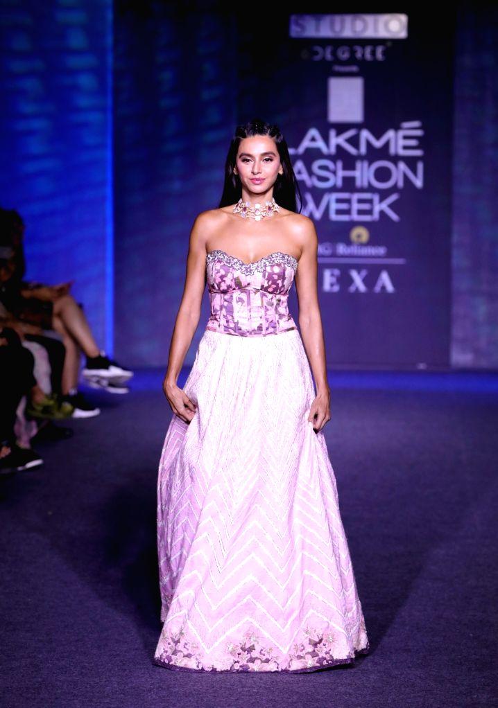 Singer Shibani Dandekar at the Lakme Fashion Week Winter/Festive 2019 in Mumbai on Aug 24, 2019.