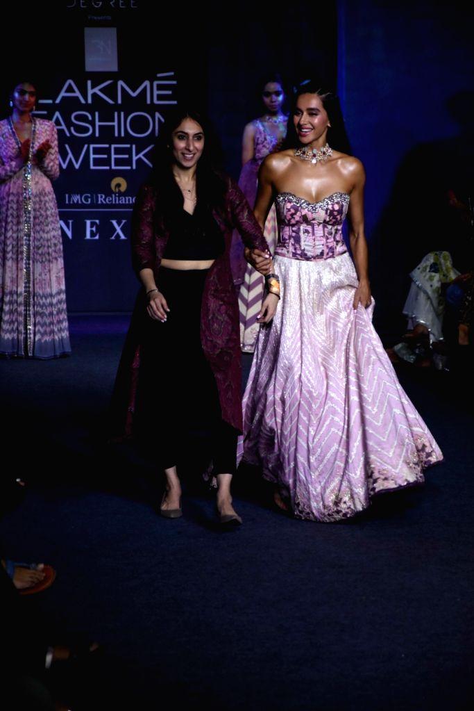 Singer Shibani Dandekar showcases Bandana Narula's creations at the Lakme Fashion Week Winter/Festive 2019 in Mumbai on Aug 24, 2019.