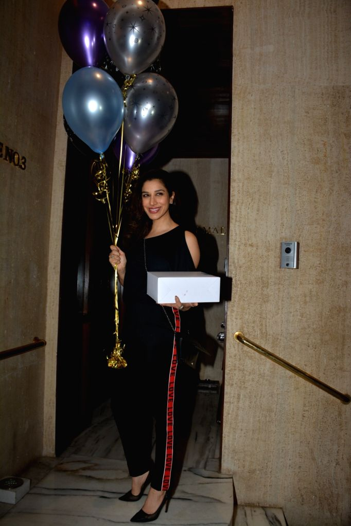 Singer Sophie Choudry at designer Manish Malhotra's birthday party in Mumbai on Dec 4, 2018. - Manish Malhotra