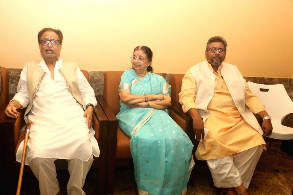 Singer Usha Mangeshkar with her brother-musician Hridaynath Mangeshkar, nephew Adinath Mangeshkar during a press conference regarding 2019 Deenanath Mangeshkar Awards, in Mumbai, on April 15, ...