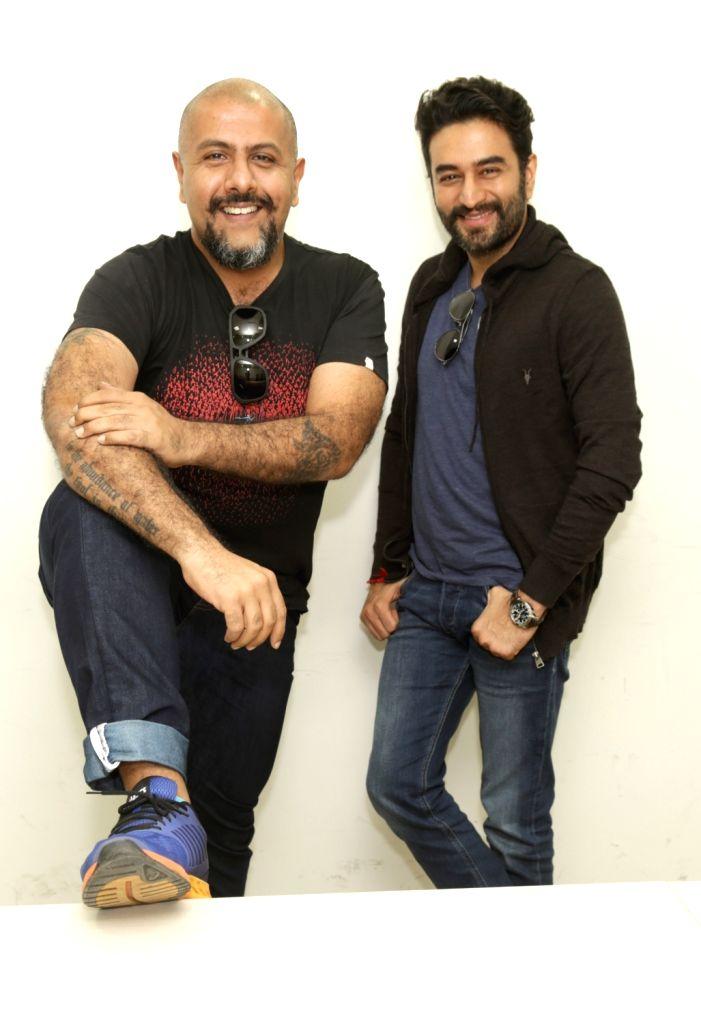 [Flac] Vishal & Shekhar Compilation -DTOne | G- Drive | Zip | 1.96 GB |
