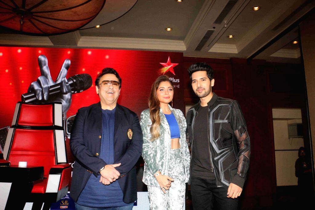 """Singers Armaan Malik, Adnan Sami and Kanika Kapoor at the launch of StarPlus' singing reality show - """"Voice"""" in Mumbai on Jan 22, 2019. - Malik, Adnan Sami and Kanika Kapoor"""