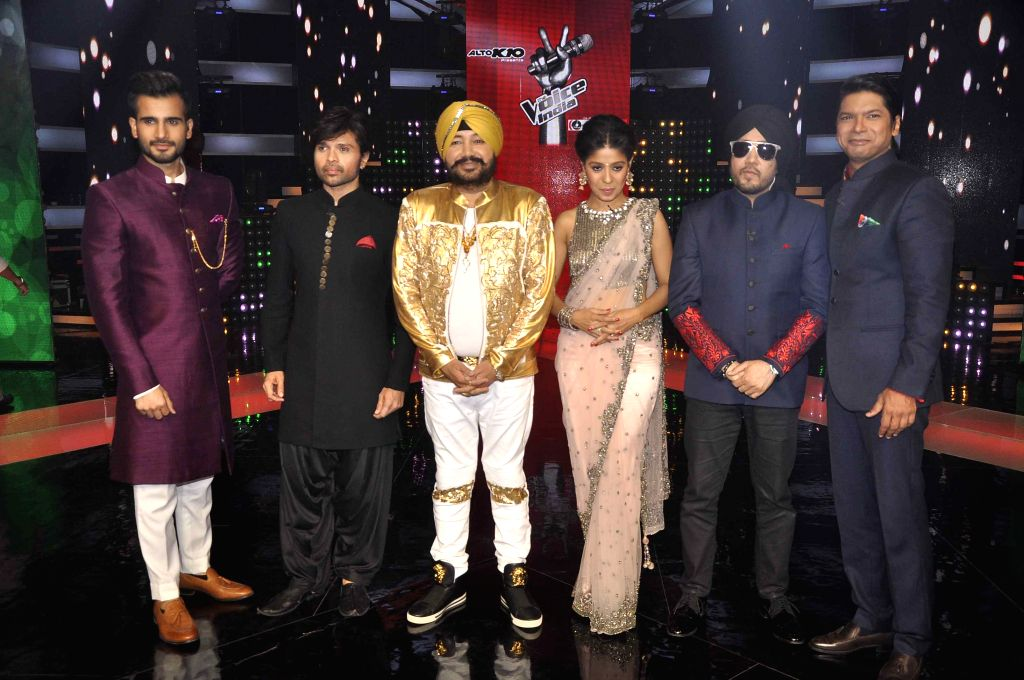 Singers Daler Mehandi, Sunidhi Chauhan, Mika Singh and Shaan on the sets of & TV Voice India for the special episode shoot for Independence Day in Mumbai, on Aug 10, 2015. - Sunidhi Chauhan and Mika Singh