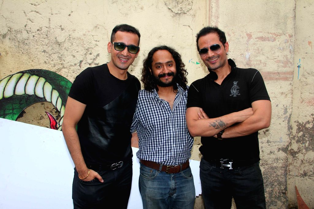 Singers Meet Brothers and filmmaker Gurmeet during the on location shoot of film Sharafat Gayi Tel Lene in Mumbai on July 8, 2014.