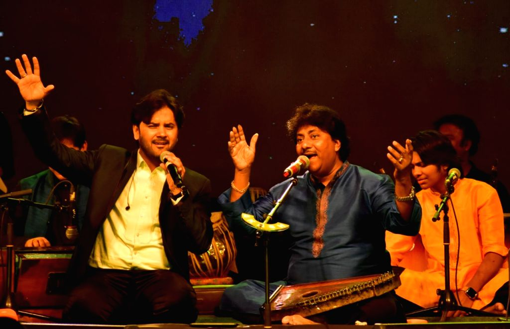 Singers Ustad Rashid Khan and Javed Ali perform during a programme organised to pay tribute to legendary singer Girija Devi at Ravindra Bhawan, in Bhopal, on March 4, 2019. - Ustad Rashid Khan