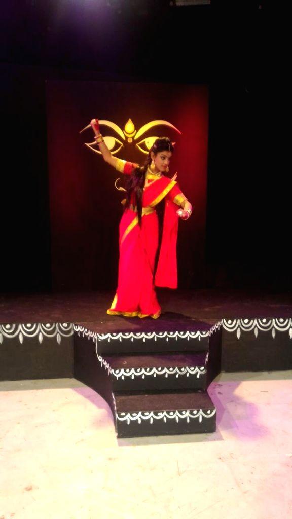 'Sita' of Delhi's Ramlila preparing for defense, 'Ram' works in bank