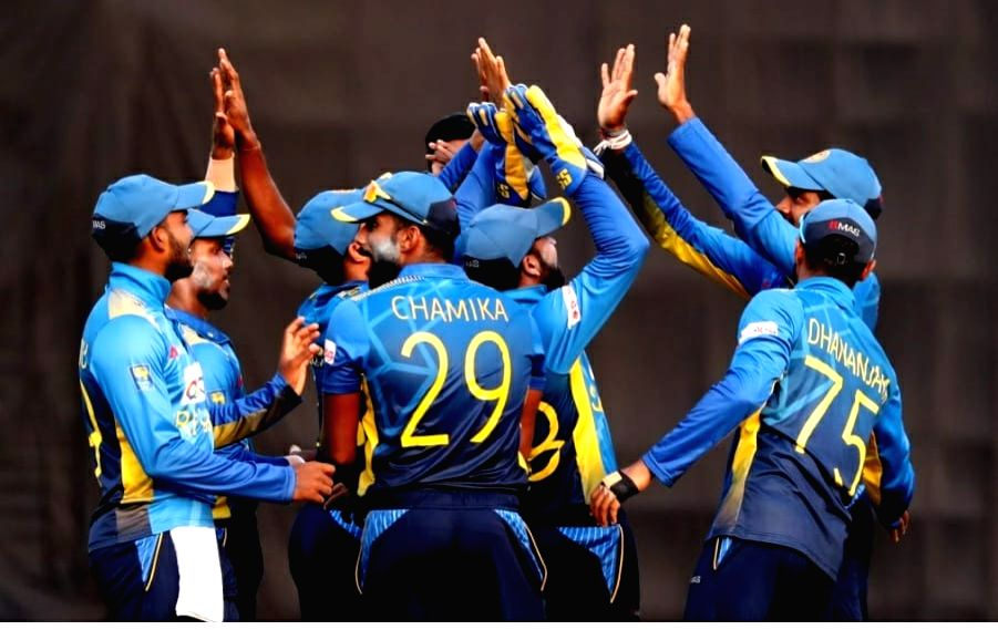 SL cricketers agree to tour England without contracts