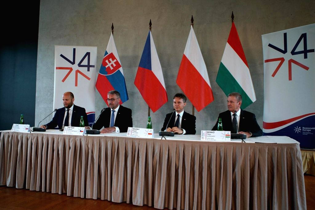 Slovak Defense Minister Jaroslav Nad, Czech Defense Minister Lubomir Metnar, Polish Deputy Defense Minister Pawel Wozny, and Hungarian Defense Minister Tibor Benko ... - Jaroslav Nad