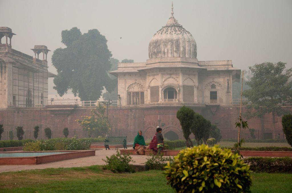 Smog cover in New Delhi on Nov 13, 2015.