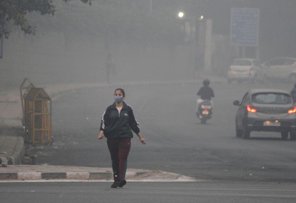 Smog engulfs the national capital on Nov 14, 2020.
