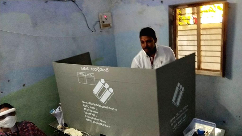 Smooth polling sees 31 percent voting by 11 am in Nagarjunasagar assembly bypoll.