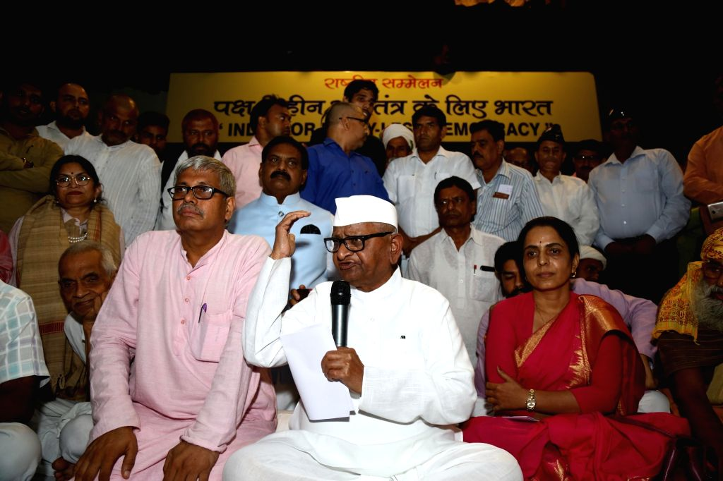 Social activist Anna Hazare addresses a press conference on Party-Less Democracy at Constitution Club in New Delhi on Sep 15, 2019.