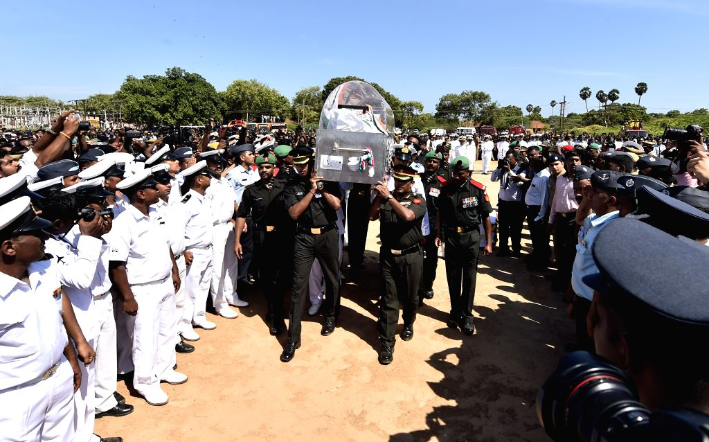 Soldiers arrive in Rameswaram with the body of former president APJ Abdul Kalam on July 29, 2015.