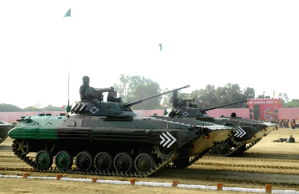 Soldiers display their skills during Platinum Jubilee celebration of 8th Mechanised Infantry at Khasa near Amritsar on Sept 16, 2016.
