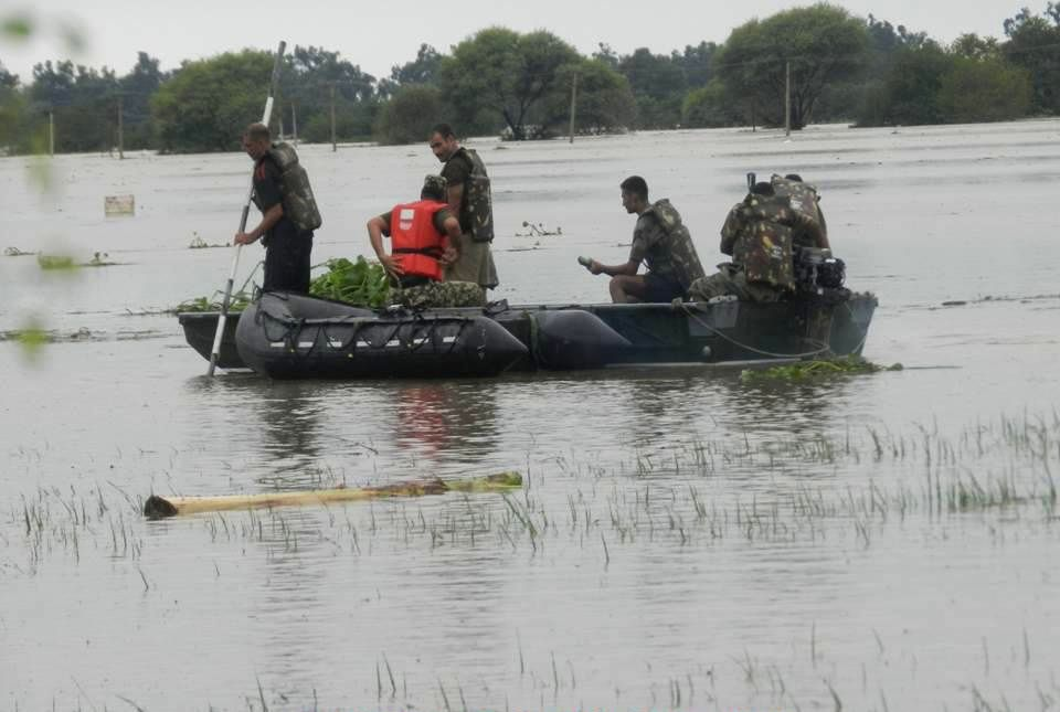 Soldiers engaged in rescue and relief operations in flood hit Jammu and Kashmir on Sept 9, 2014.